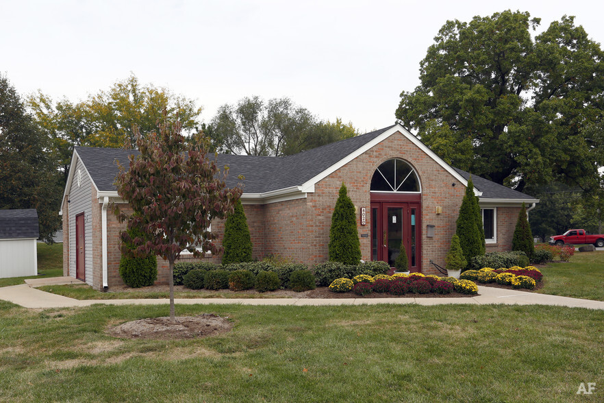 Hanna Village Apartments Indianapolis IN Apartment Finder