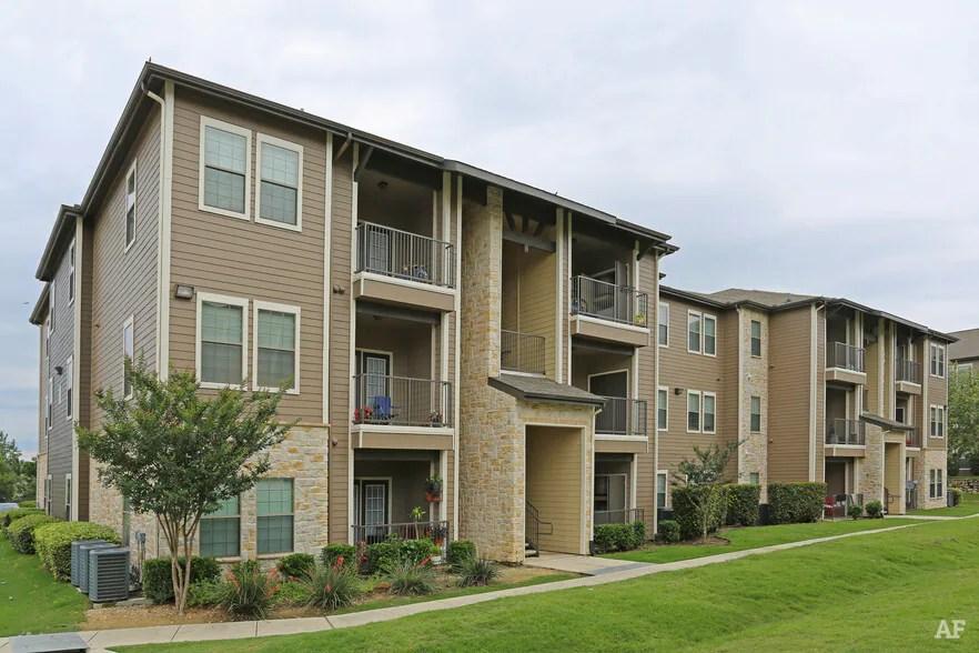 StoneHaven Apartment Homes  New Braunfels TX  Apartment
