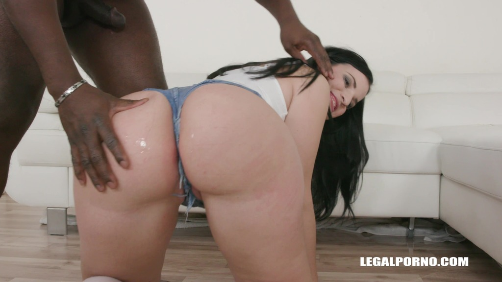 Kizzy Six goes wet and gets double anal interracial fucking IV283