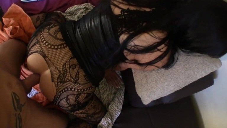 A fat cock for Queen Eugenia's gaping ass QE037