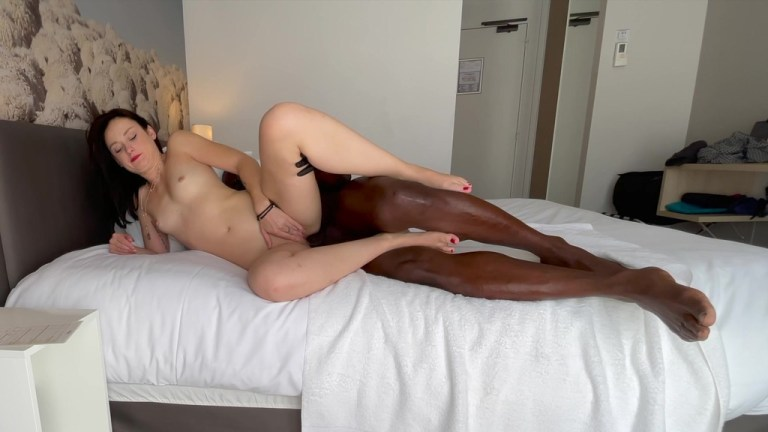 Anal casting for Alice 26y by BBC...pain can turn into pleasure.