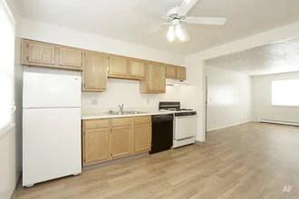 2 Bedroom 1 Bath Kitchen Crestwood Apartments