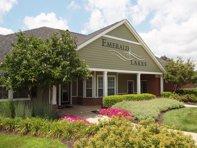 Emerald Lakes  Greenwood IN  Apartment Finder