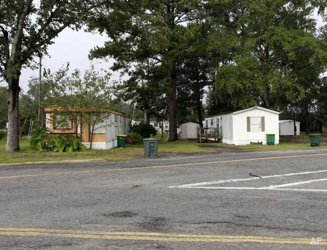 Oglethorpe Court Trailer Park - Savannah GA | Apartment ...