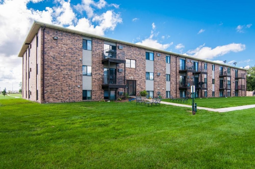 Greenfield Apartments  Grand Forks ND  Apartment Finder