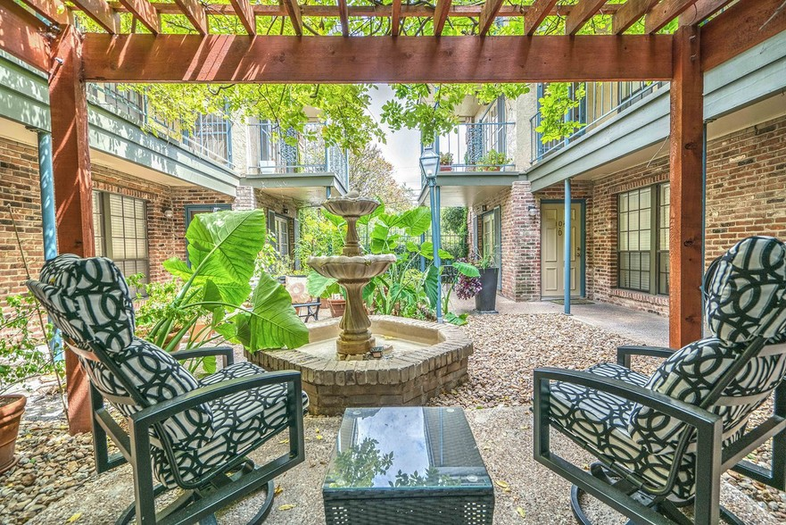 French Place Apartments San Antonio Tx Apartment Finder