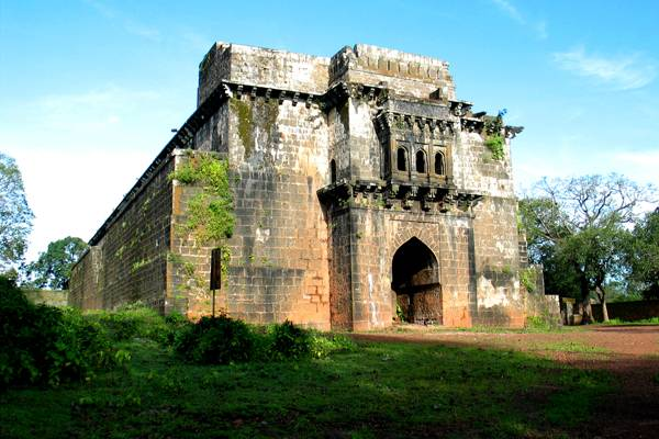 Image result for complete view of Panhala Fort hd wallpaper