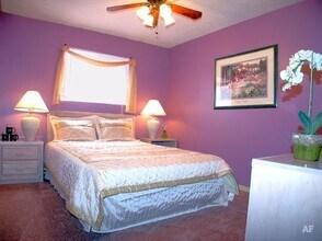 Bedroom Avalon Apartments