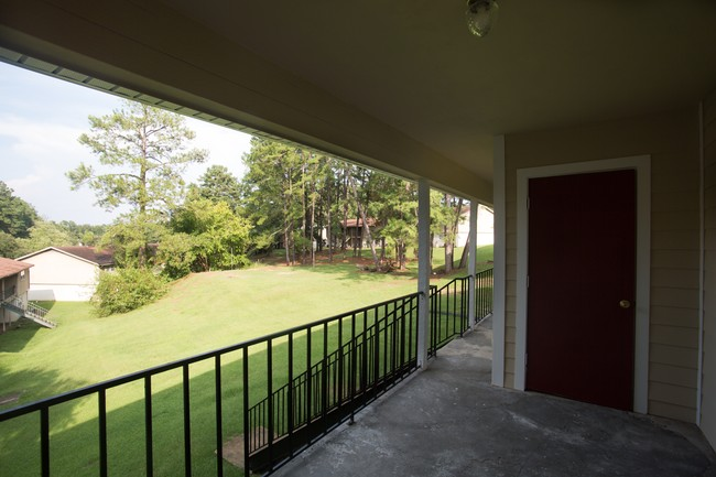 Monterey Apartments  Tallahassee FL  Apartment Finder