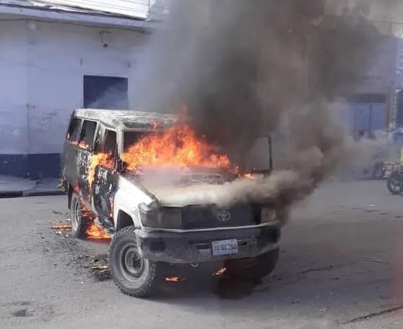 """Les """"Fantômes 509"""" ont encore frappé, au moins 7 véhicules d'État incendiés - Fantom 509"""