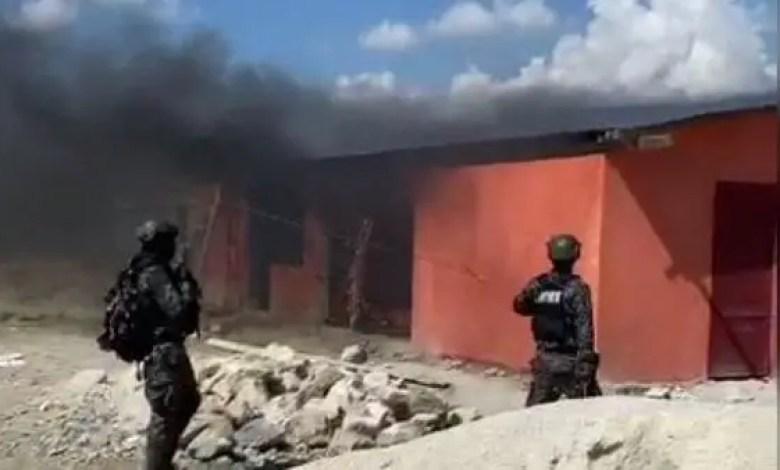 Urgent: Opération policière à la base de 400 MAWOZO, 15 présumés bandits arrêtés et 4 véhicules récupérés. - 400 marozo, izo et manno, Village de Dieu