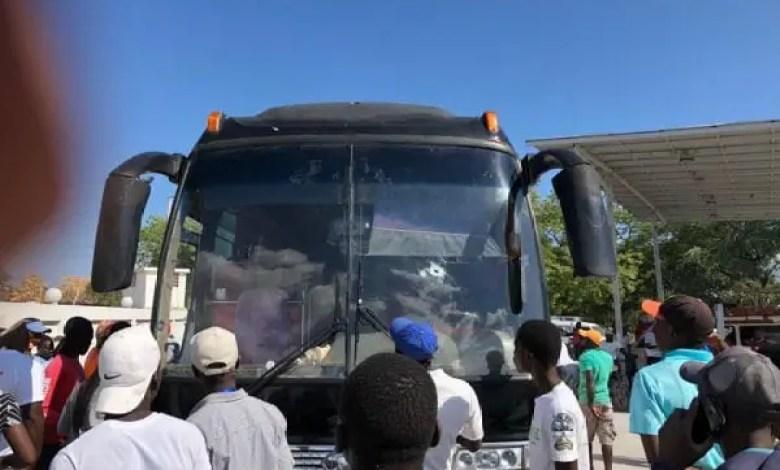 Un bus assurant le trajet entre Haïti et la République Dominicaine attaqué par des hommes de 400 mawozo - 400 Mawozo