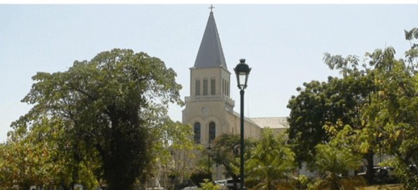 Pétion-Ville: La Police a fait usage de gaz lacrymogène à l'Eglise Saint Pierre -