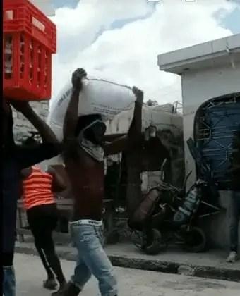 Plusieurs entreprises pillées au bas Delmas et Cité Soleil -