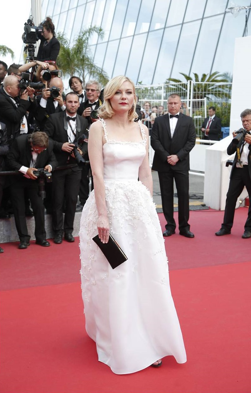 CANNES FILM FESTIVAL COVERAGE Hands of Stone Cast Photocall, Press Conference, Red Carpet 2016, Day 6, www.imageamplified.com, Image Amplified (38)