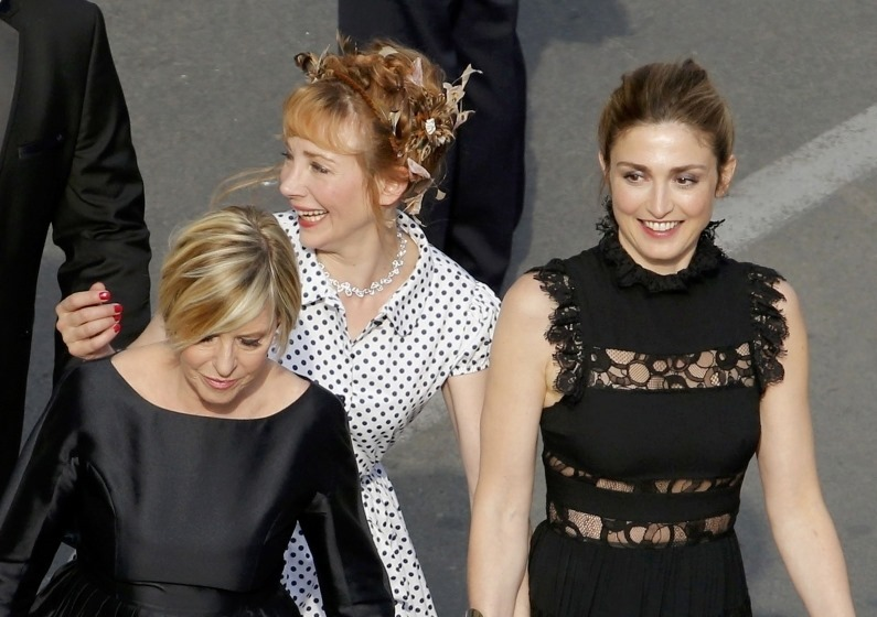 CANNES FILM FESTIVAL COVERAGE The Unknown Girl Cast Photocall, Press Conference, Red Carpet 2016, Day 8, www.imageamplified.com, Image Amplified (14)