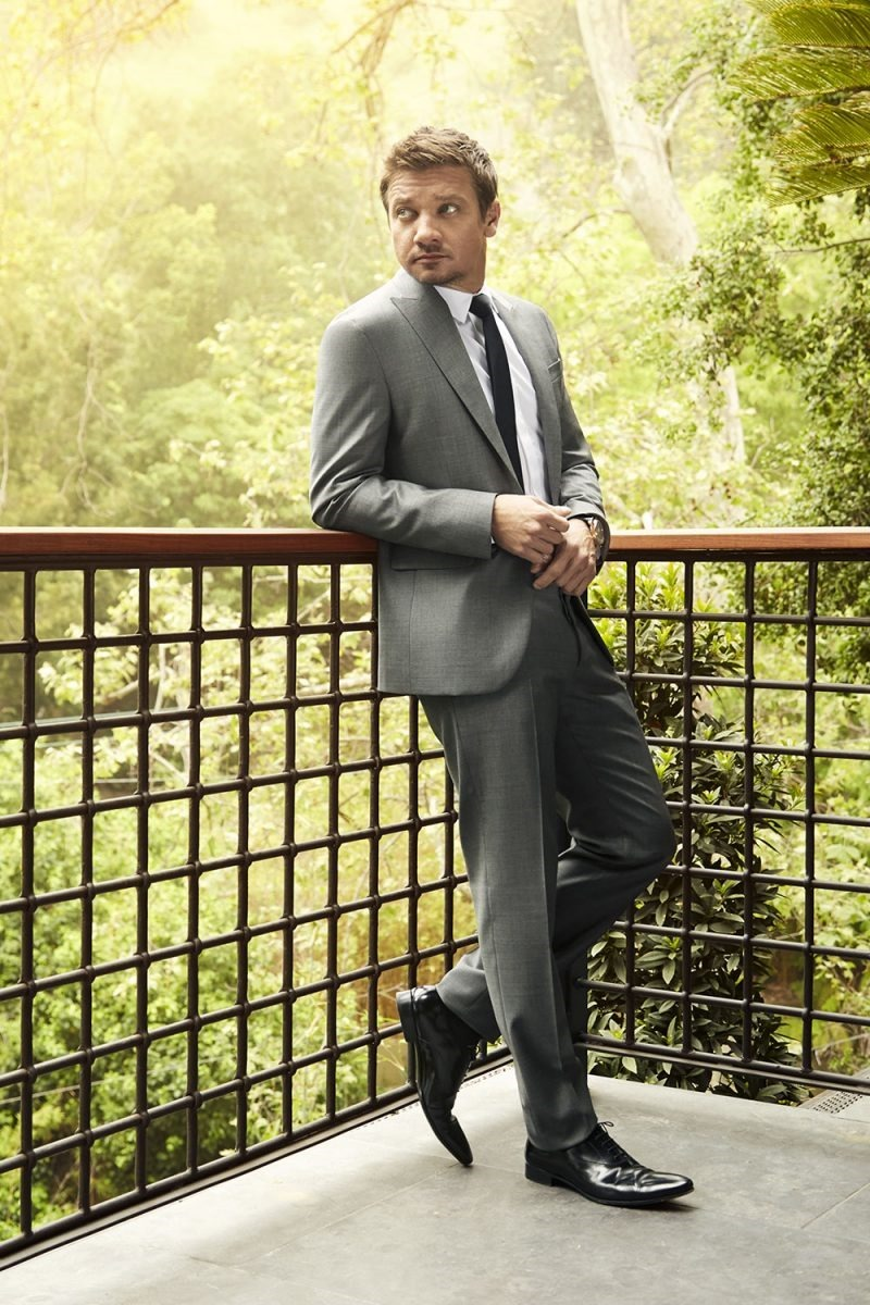 ROBB REPORT Jeremy Renner by Randall Slavin. Charlene Roxbrough Konsker, May 2016, www.imageamplified.com, Image Amplified (4)