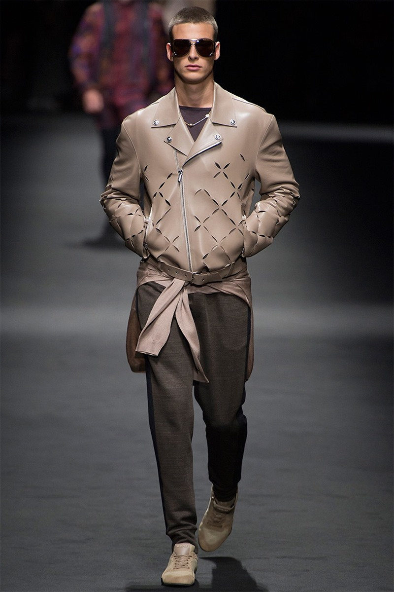 MILAN FASHION WEEK Versace Spring 2017. www.imageamplified.com, Image Amplified (10)