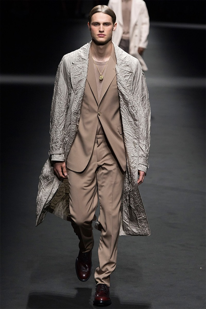 MILAN FASHION WEEK Versace Spring 2017. www.imageamplified.com, Image Amplified (16)