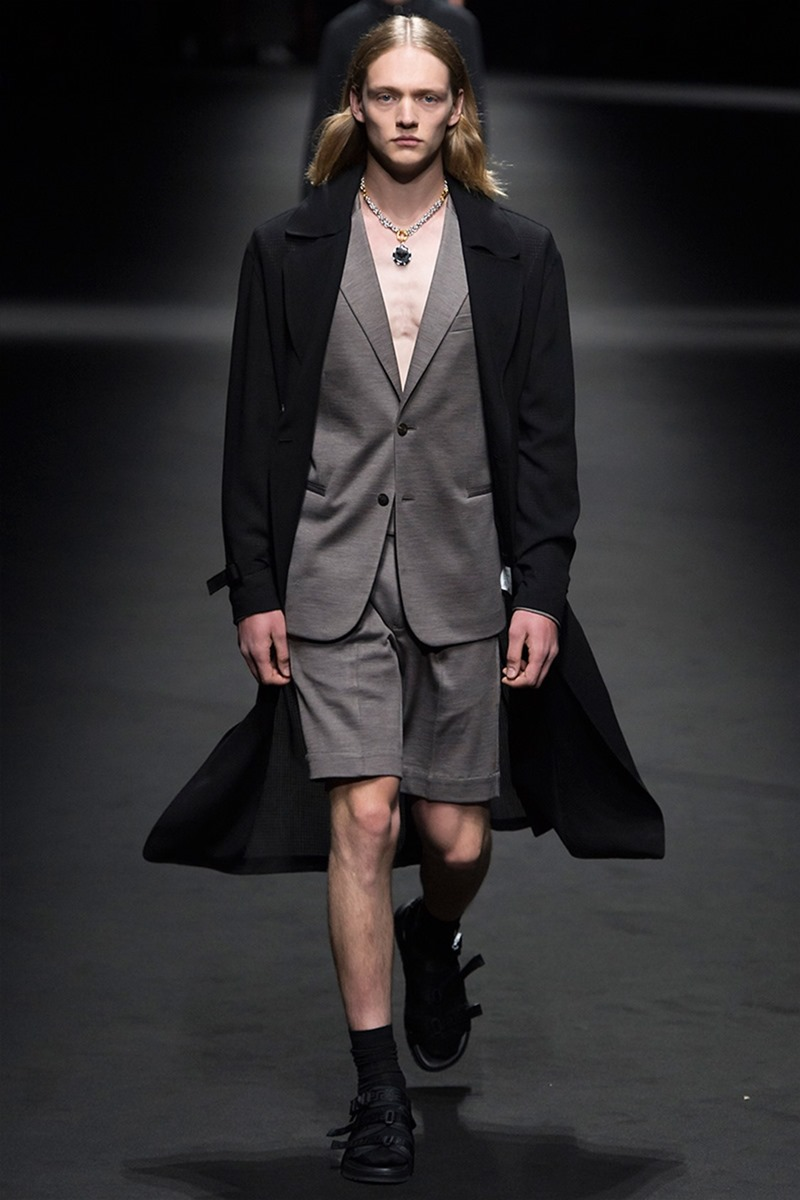 MILAN FASHION WEEK Versace Spring 2017. www.imageamplified.com, Image Amplified (35)