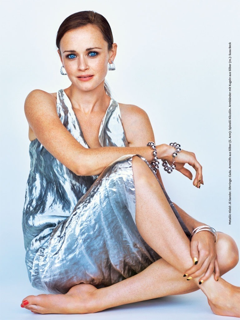 GLAMOUR GERMANY Alexis Bledel by Alexei Hay. Veronique Tristram, December 2016, www.imageamplified.com, Image Amplified3