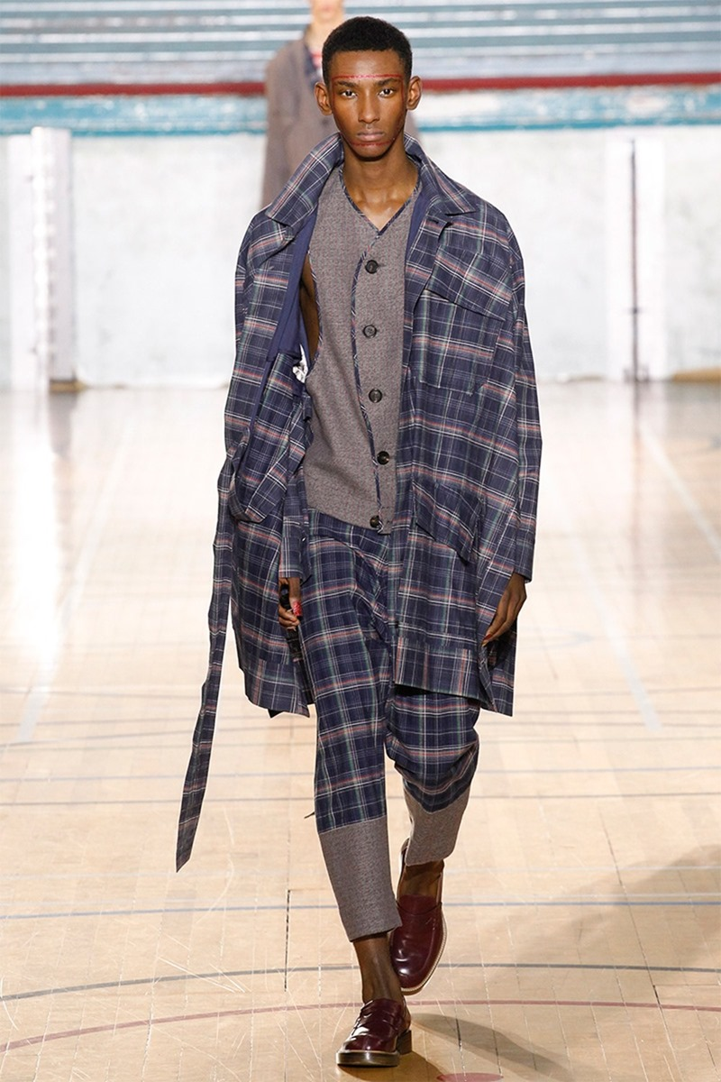 LONDON COLLECTIONS MEN Vivienne Westwood Fall 2017. www.imageamplified.com, image amplified21