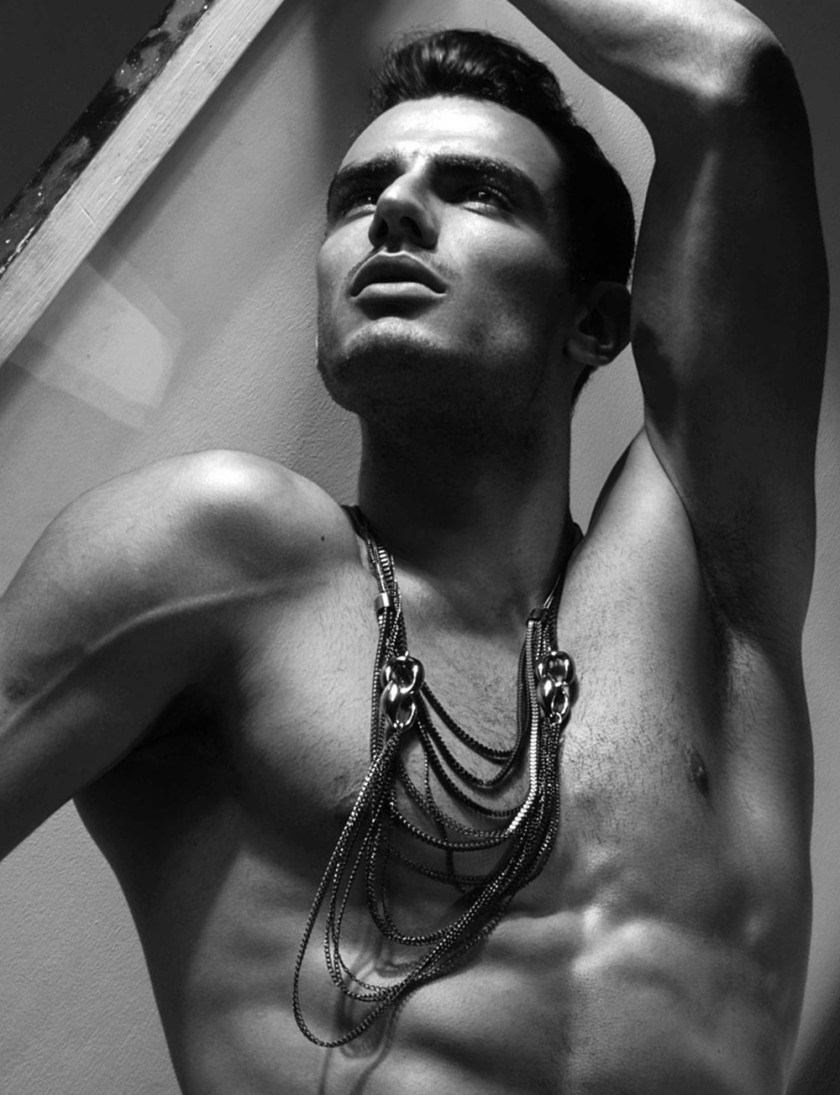MASCULINE DOSAGE Rodolfo Rodrigues Silva by Manny Fontanilla. Spring 2017, www.imageamplified.com, Image amplified7