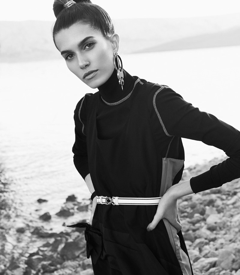 VOGUE MEXICO Rose Gilroy by Jakov Baricic. David Gomez-Villamediana, January 2017, www.imageamplified.comm, Image amplified4