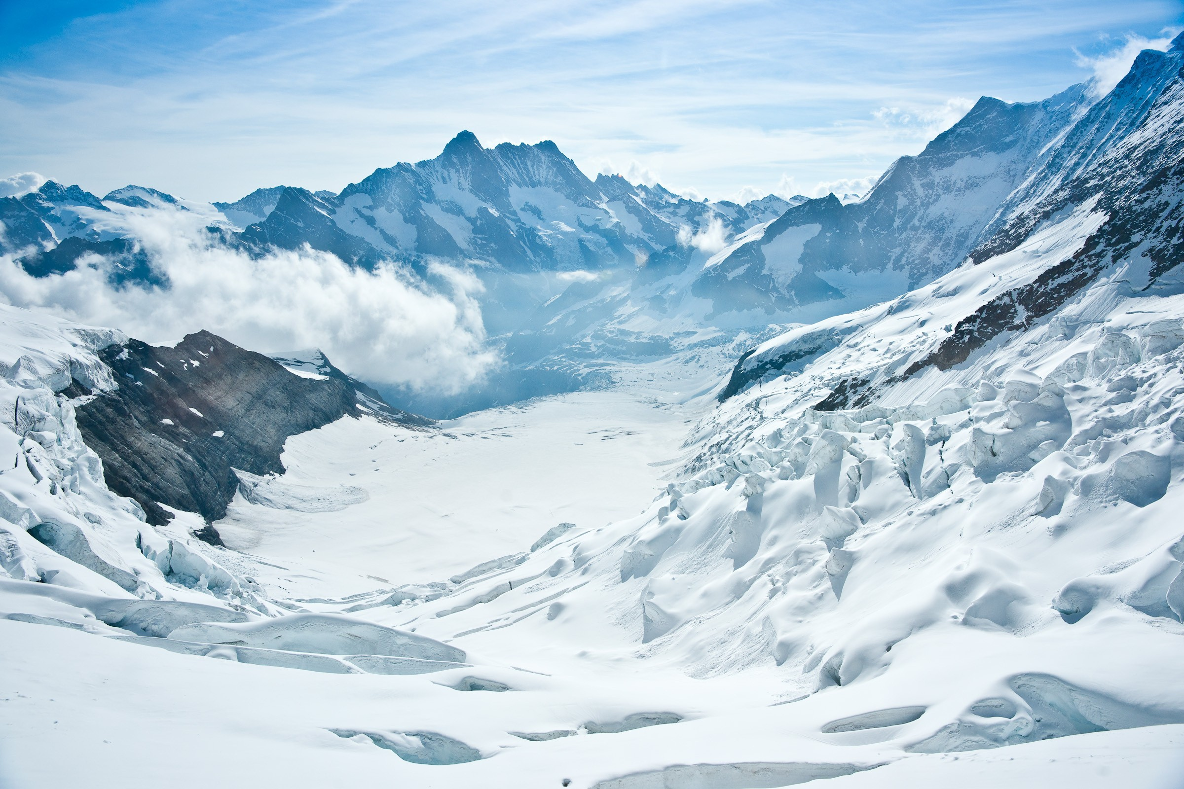 High definition picture of winter. photo of the mountains. snow | ImageBank.biz