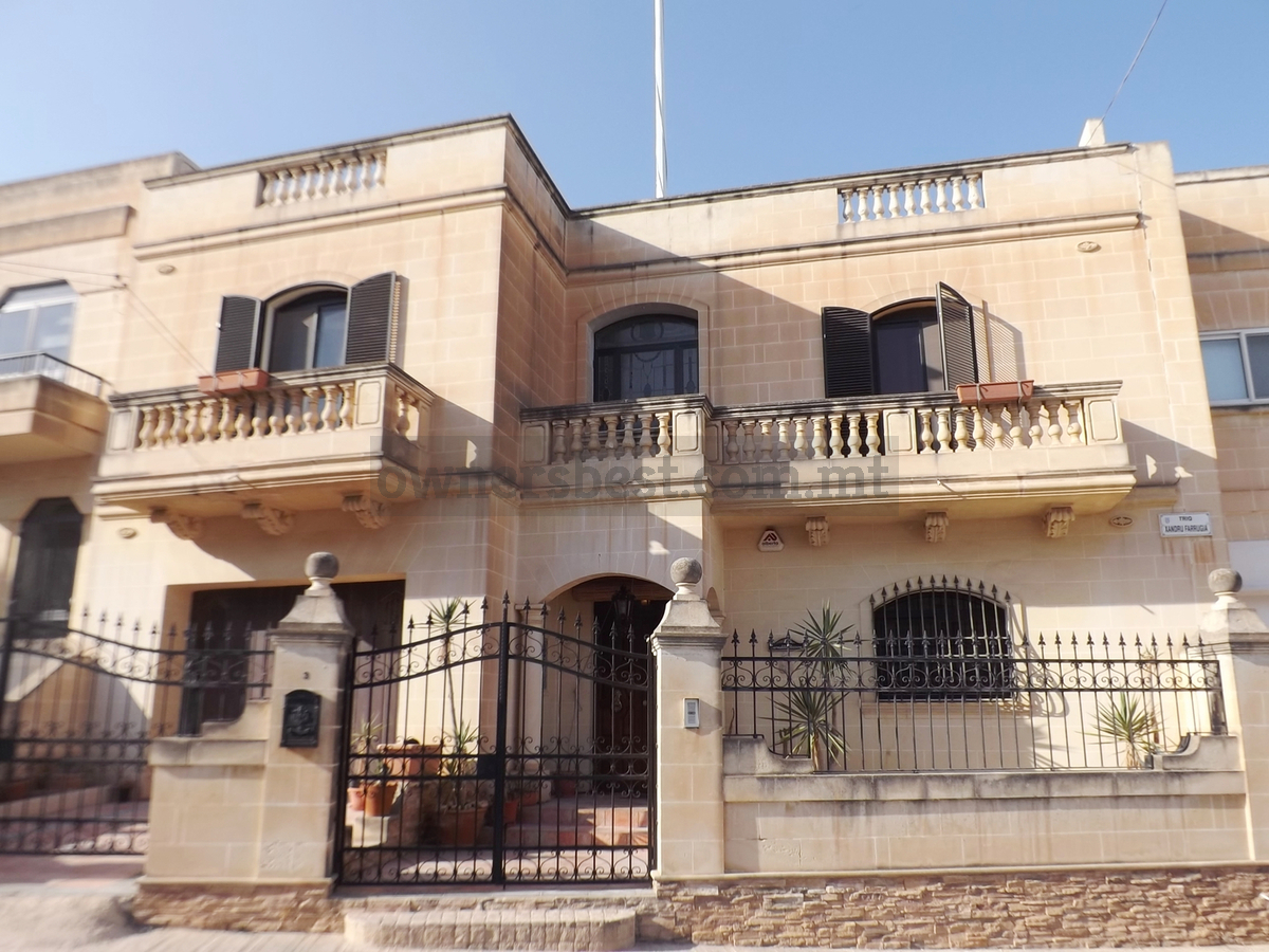 Owners Best  Terraced house in Tarxien  detail