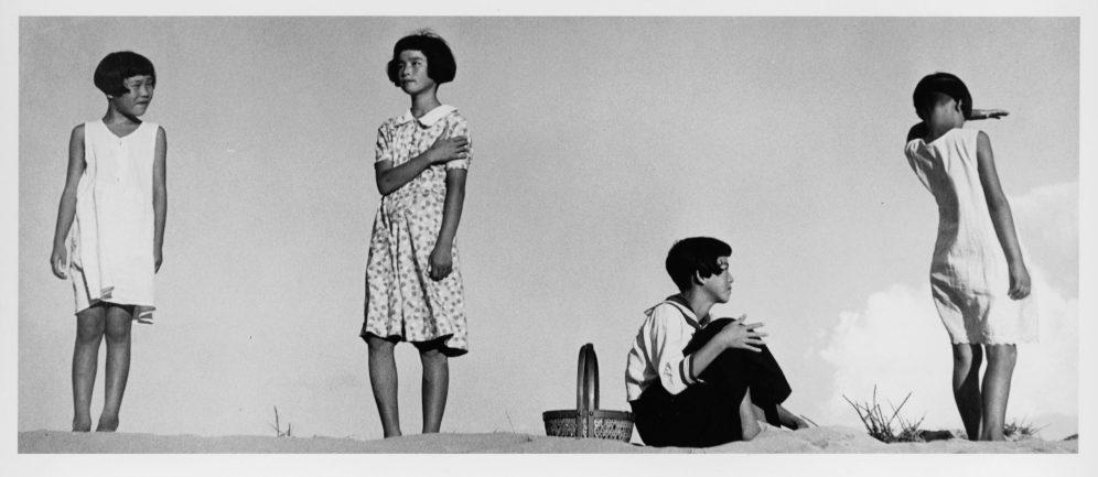 植田正治,少女四態,1939 ©Shoji Ueda Office 。引自主辦單位新聞稿。