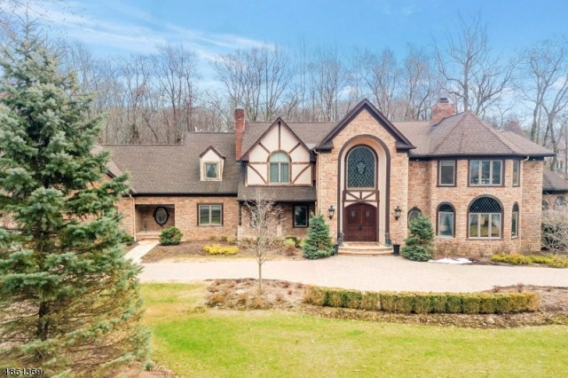 Property for sale at 706 Horseshoe Trl, Franklin Lakes Boro,  New Jersey 07417