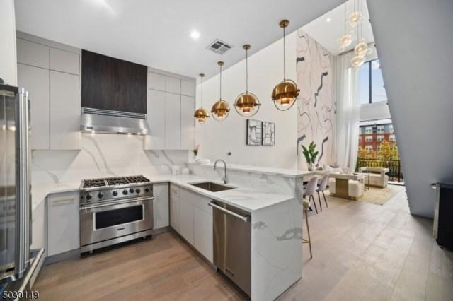 Property for sale at 14 2nd St, 3d Unit: 3D, South Orange Village Twp.,  New Jersey 07079