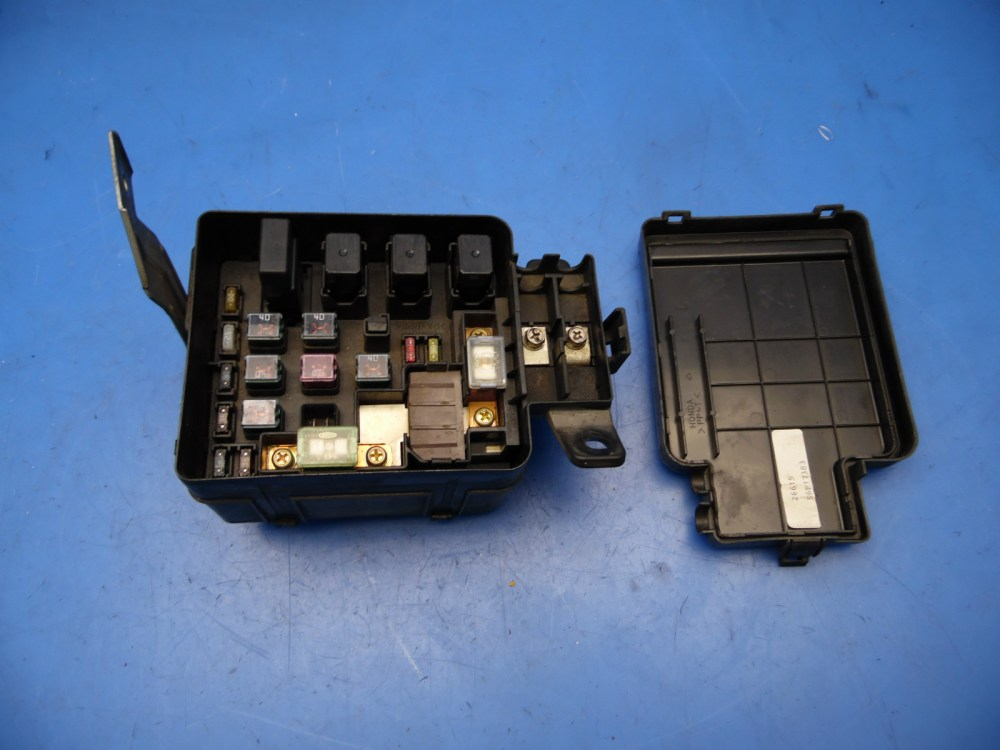 medium resolution of 98 01 acura integra oem under hood fuse box with fuses cover relays