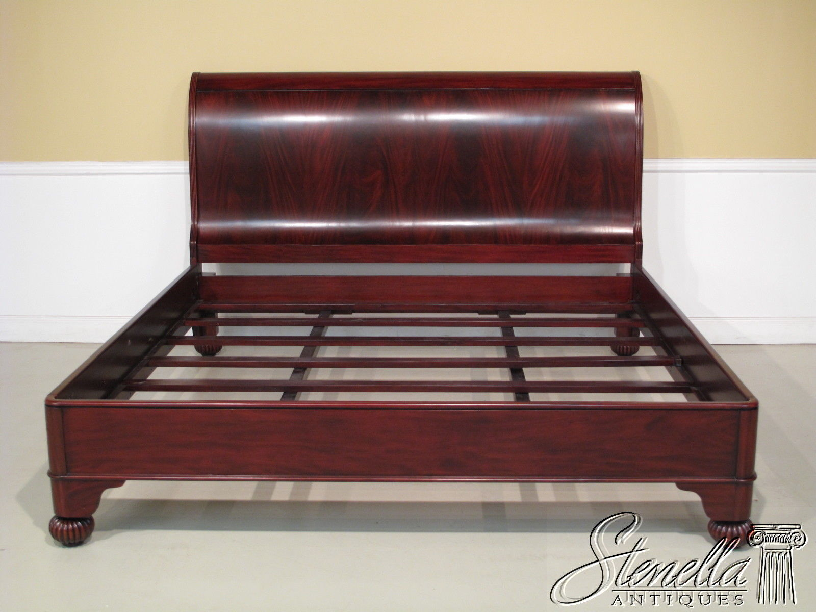 King Size Classic Mahogany Figural Grain Sleigh Bed