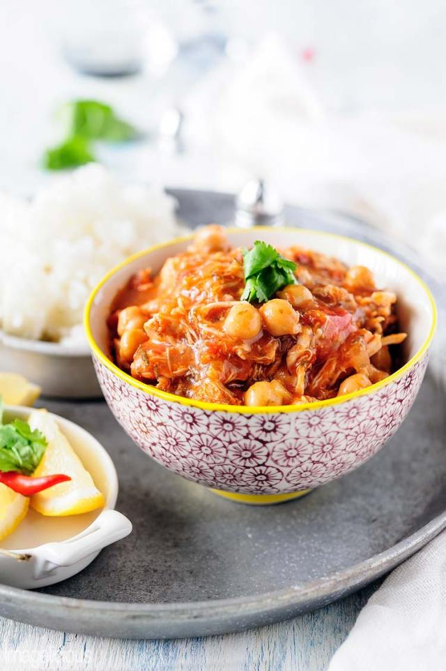This Chicken and Chickpea Stew requires minimum prep and delivers maximum flavour. Easy, delicious and healthy it will become your favourite weeknight meal | Imagelicious