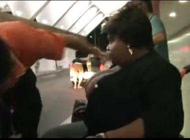 Jojo Todynho desembarca em Salvador na cadeira de rodas; veja o vídeo
