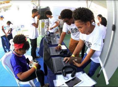 Governo do Estado inaugura primeira 'Escola do Século XXI' do Brasil no bairro de Arenoso