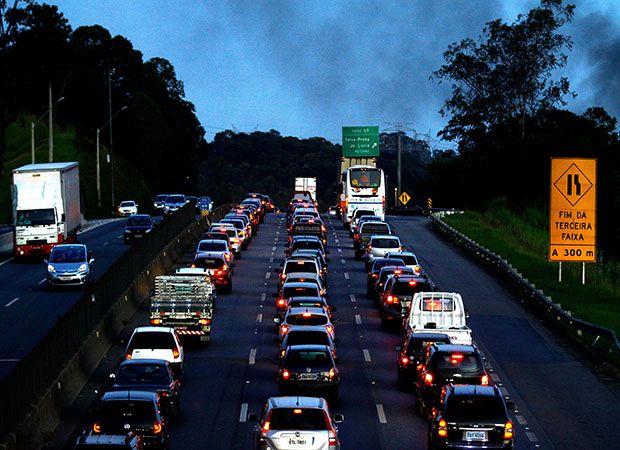 Entre 160 e 270 mil paulistanos devem seguir para o litoral do estado / Luis Moura/Folhapress
