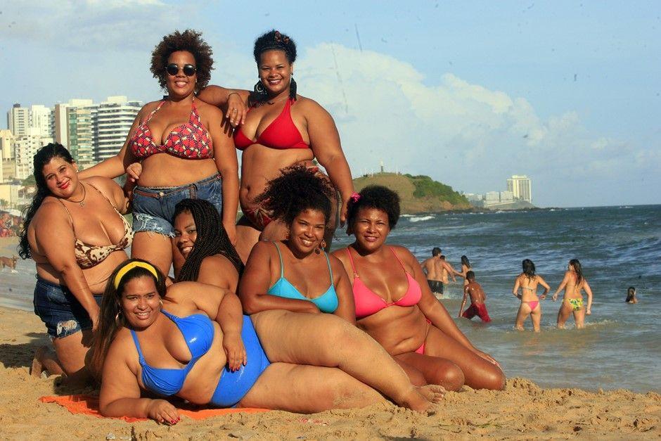 Mulheres se juntaram pelo direito de serem felizes com seus corpos / Lúcio Távora / Ag. A Tarde/Folhapress