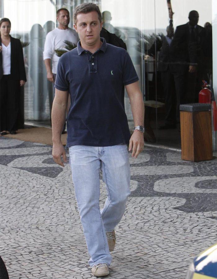 Luciano Huck perde a carteira de habilitação durante blitz no Rio  / Gabriel Reis/AgNews