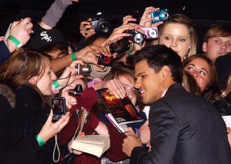 Taylor Lauter atendeu os fãs na premierè do filme