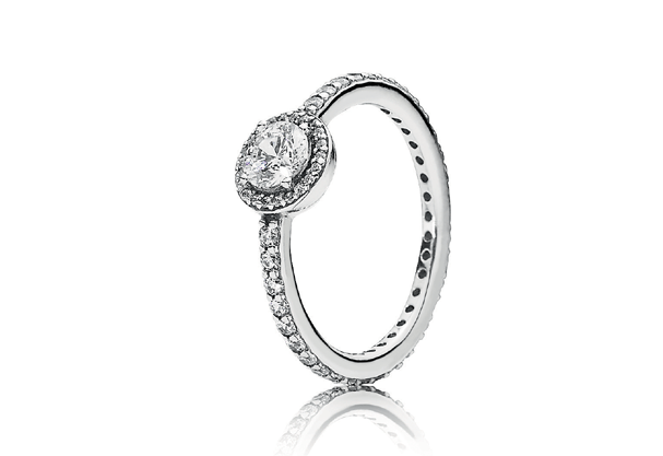 Anel de noivado Beleza Clássica Pandora | Foto Divulgação