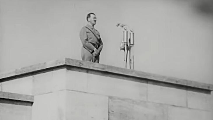 hitler nazismo rei leao 3dfd3b5bdae9b28ffa789b86ee1695a0eb9ce614 - POLITICAMENTE CORRETO: 'O Rei Leão' corta musical com conotação nazista