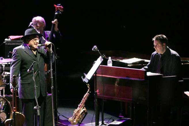 Van Morrison durante un concierto. FOTO: ARCHIVO.