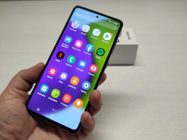 La pantalla de 6,5 pulgadas del Samsung Galaxy A52