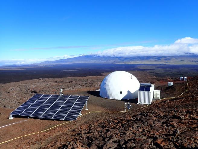 Esta es la estación situada a unos 2.500 metros de altura en el volcán Mauna Loa de Hawái.