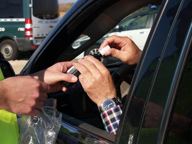 El alcohol y otras drogas son causantes de muchos accidentes de tráfico.