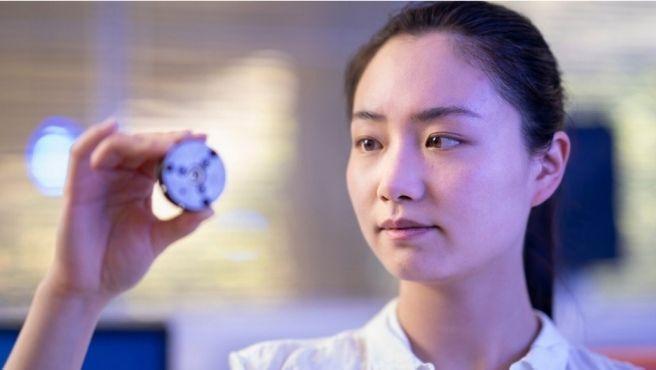 Científicos australianos han creado dos tipos de diamantes a temperatura ambiente.