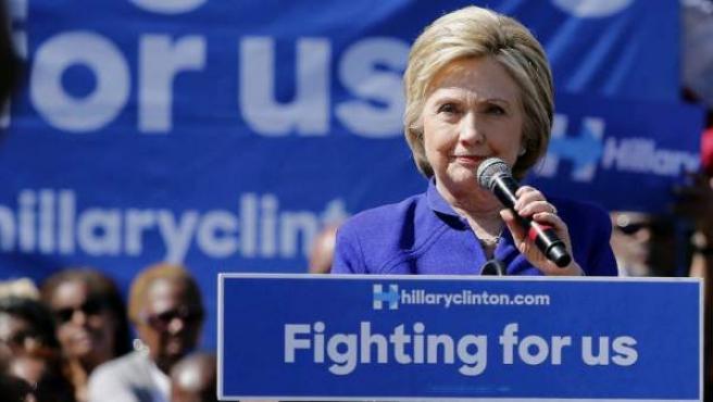 La aspirante demócrata a la Casa Blanca y exprimera dama, Hillary Clinton, el 6 de junio de 2016 en un acto de campañ en California.